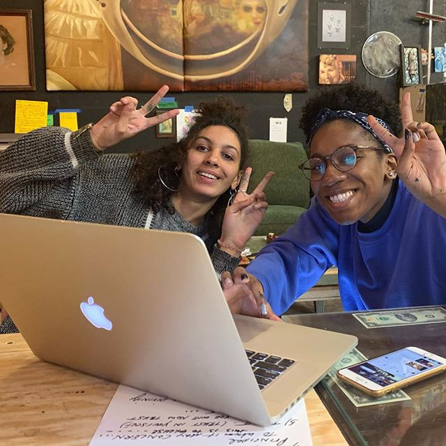APRIL flowers bring May interns -Welcome Kalila and Noa!!! . #itsgonnabemay #leedleloodledoodles #muralistlife #interns #intothemural #phillymuralarts #megsaligman #funtimes