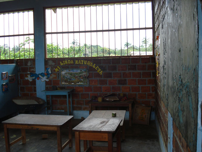 Typical elementary class room.