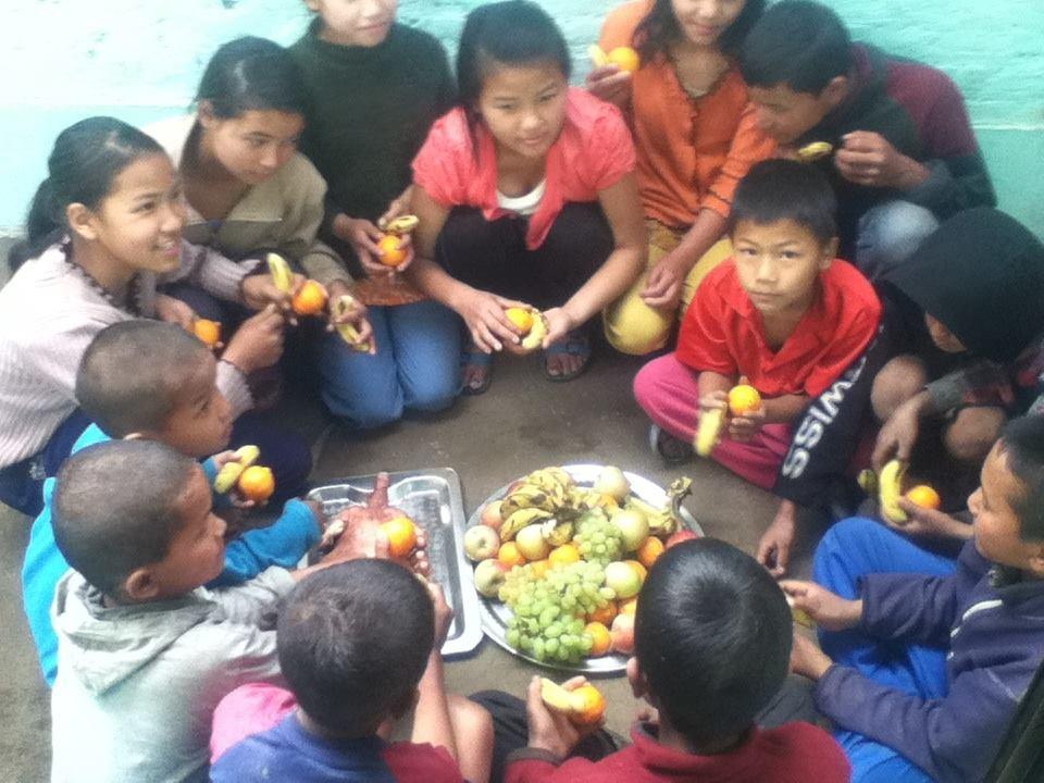 childrenfruit.jpg