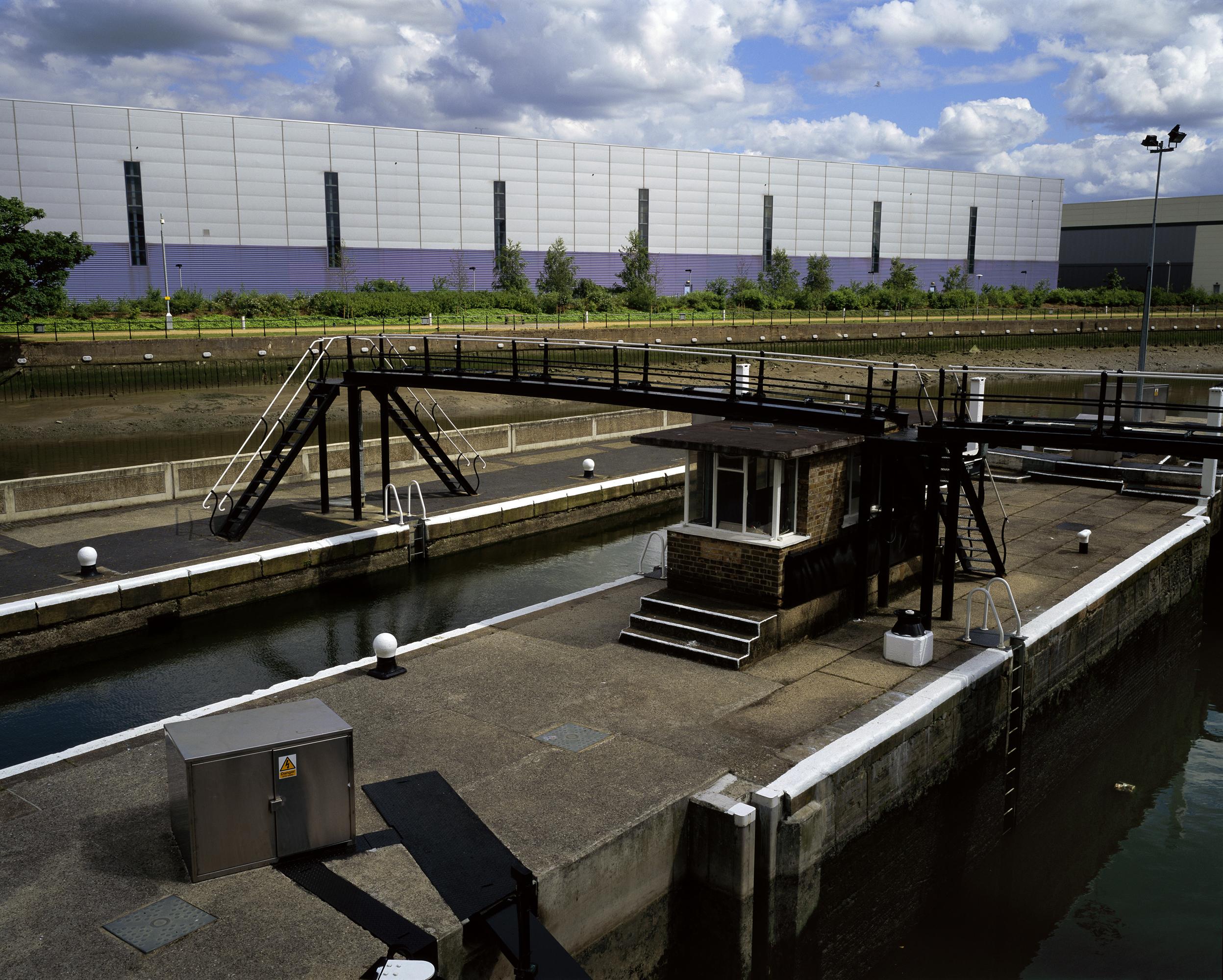 Bow Locks, Lee Navigation (2005)
