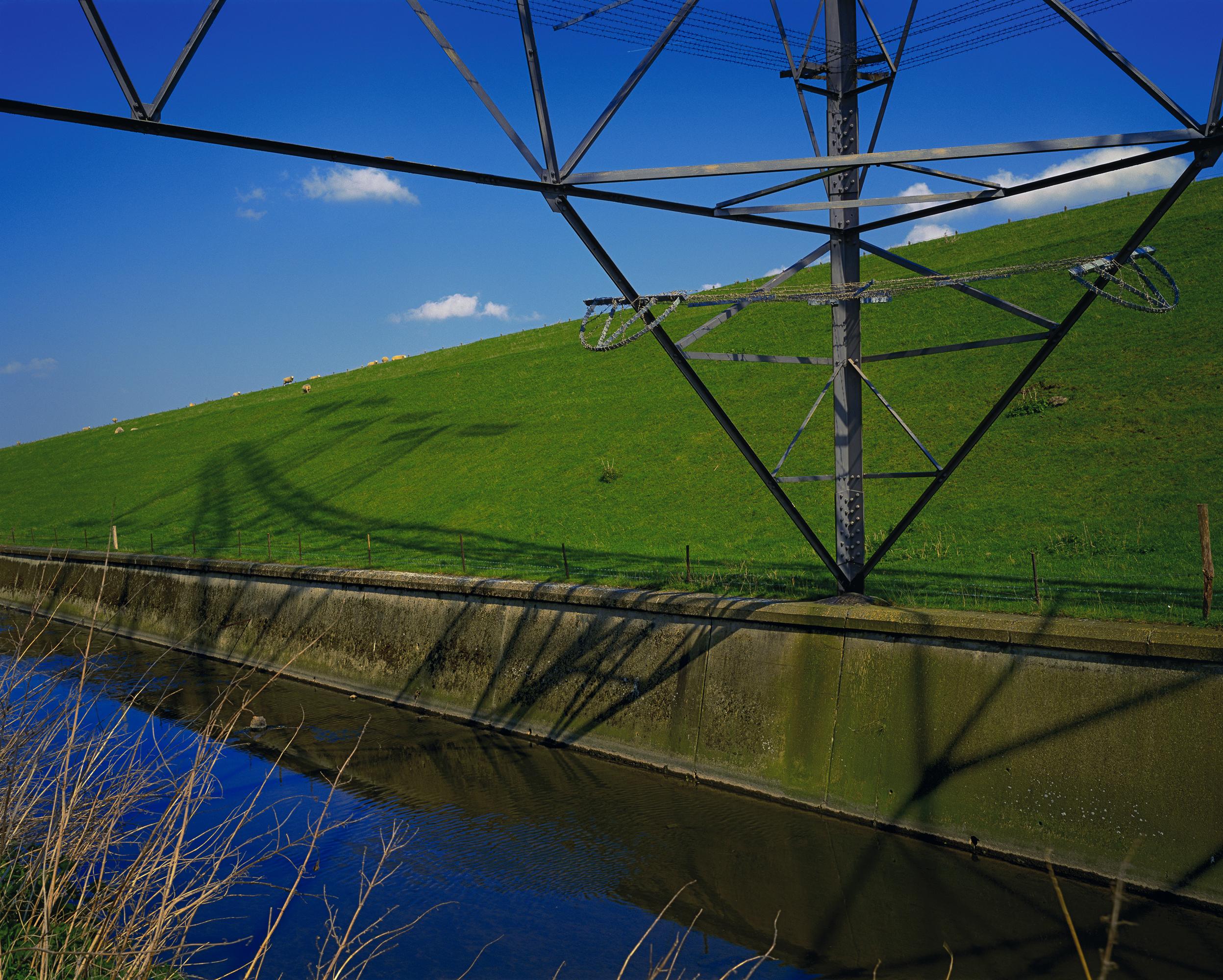 Overhead Power, William Girling Reservoir (2005)