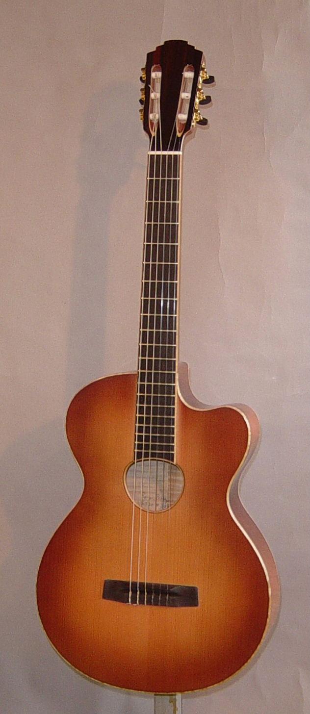 borys_guitars_9f1e5e75_124642.jpg