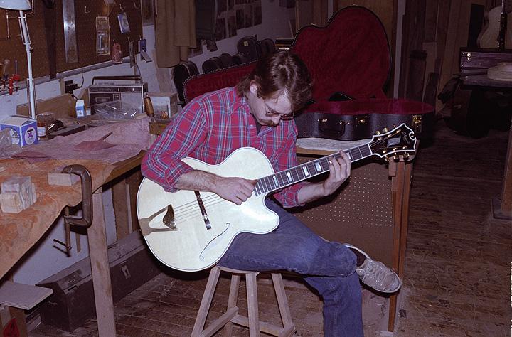 borys_guitars_friends_33.jpg