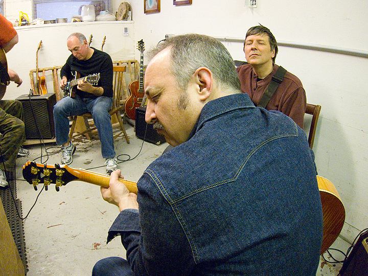 borys_guitars_friends_39.jpg