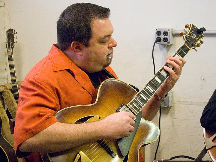 borys_guitars_friends_52.jpg