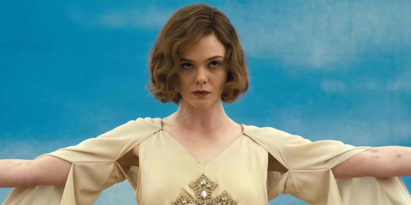 The novel's best rendered subplot definitely was  Loretta Figgis , played by the talented  Elle Fanning .