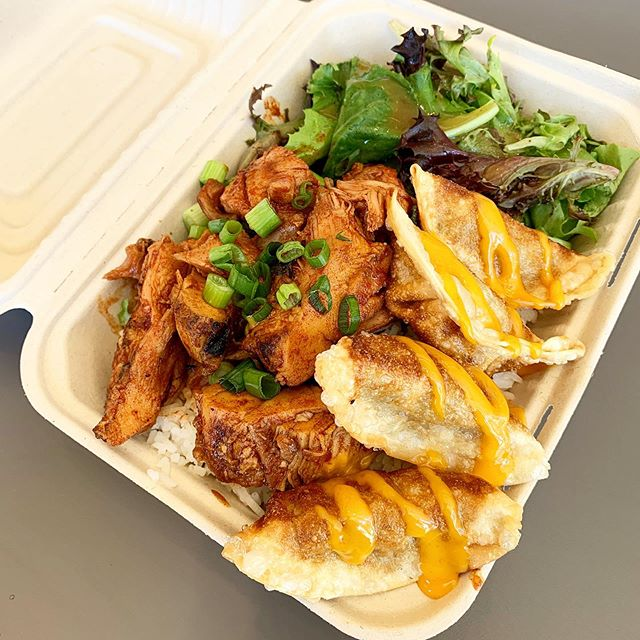 Lunch is better with a friend. Korean BBQ hanging out with crispy potstickers today. Grab some lunch at 2100 Powell till 2pm. #sanfrancisco #bayarea #foodtruck #asianfood #potstickers #bombziesbbq #hellabombzies #flamefresh