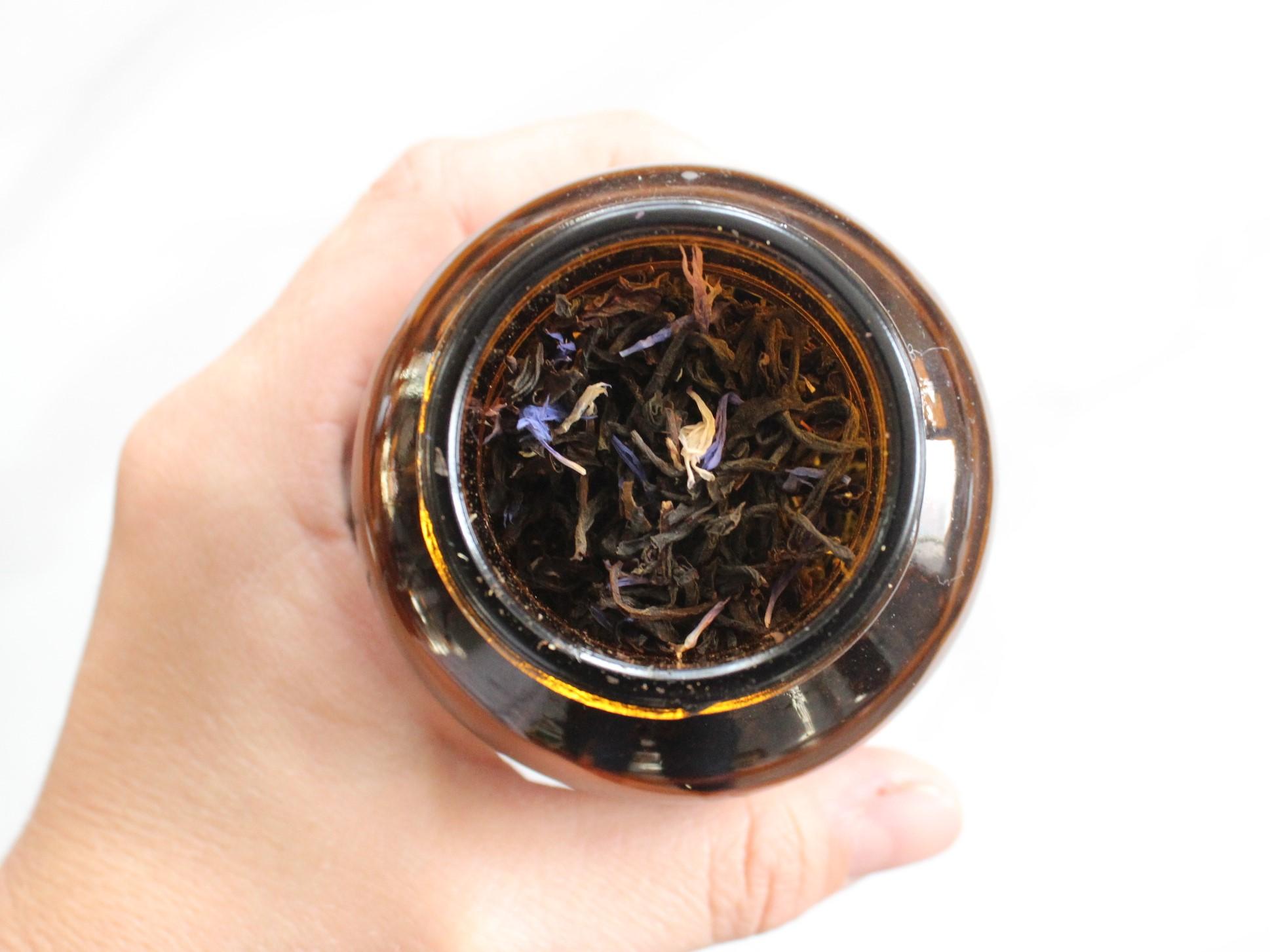 Earl Grey Amber Jar open.jpg