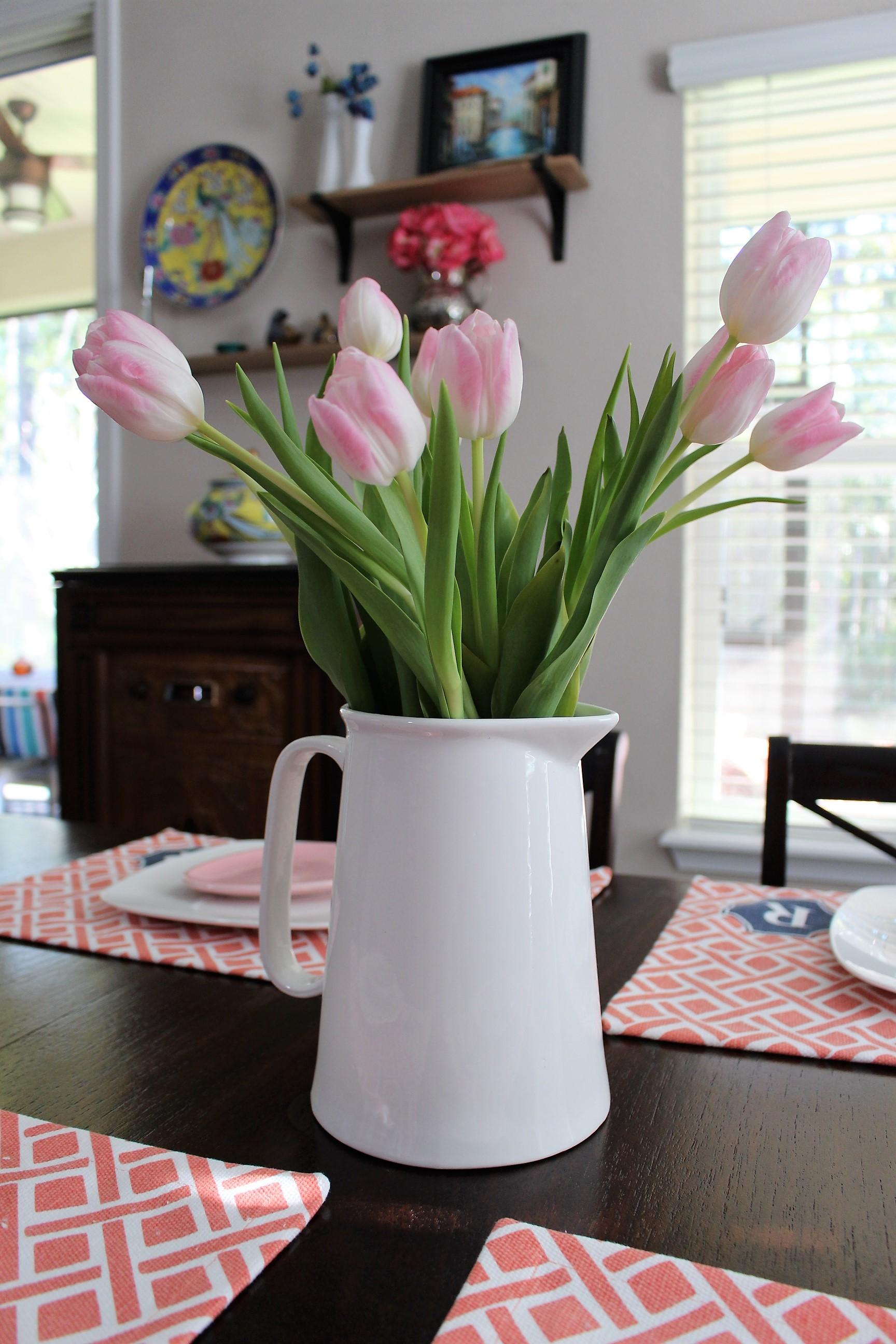 simple spring centerpiece