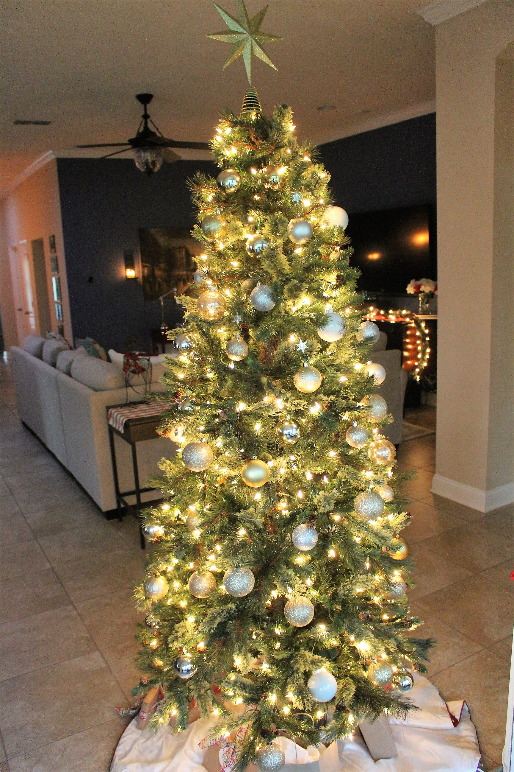 360 degrees of Christmas Tree