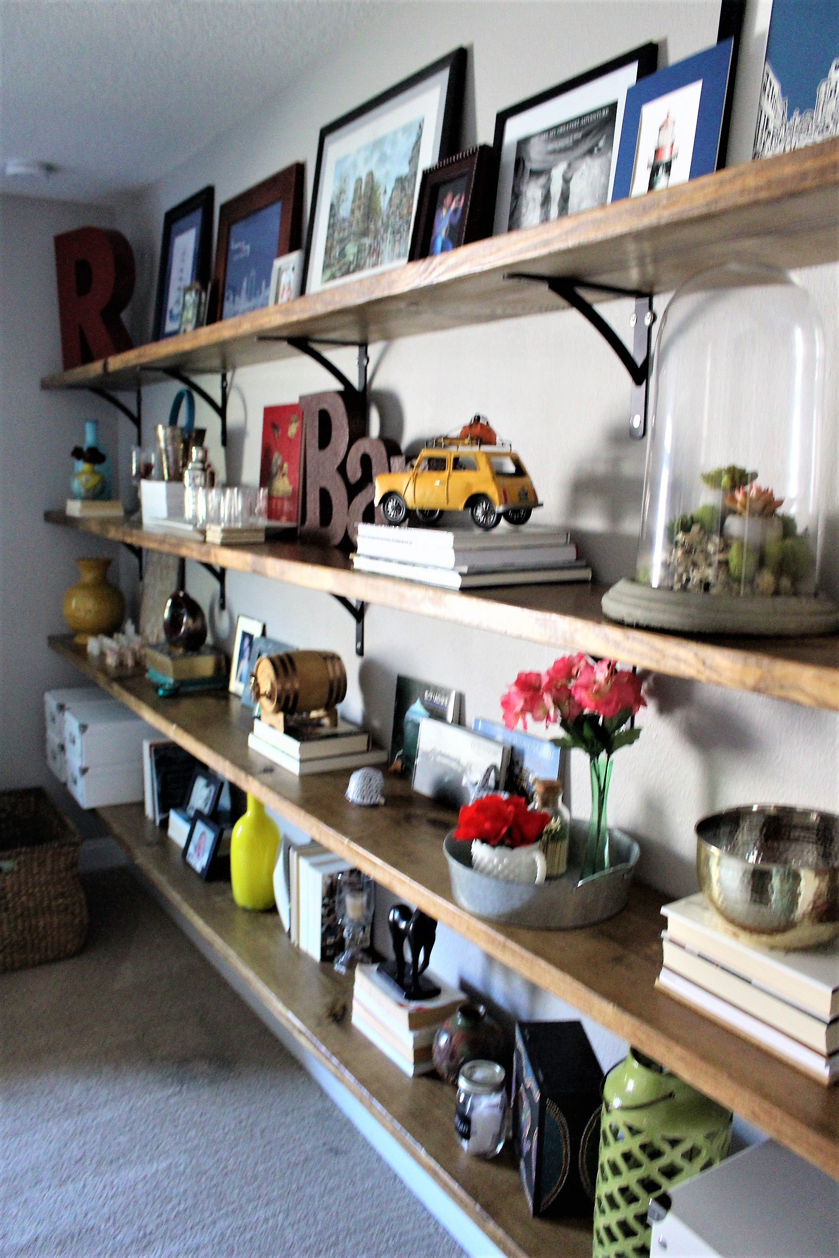 Home Office wall to wall shelving DIY