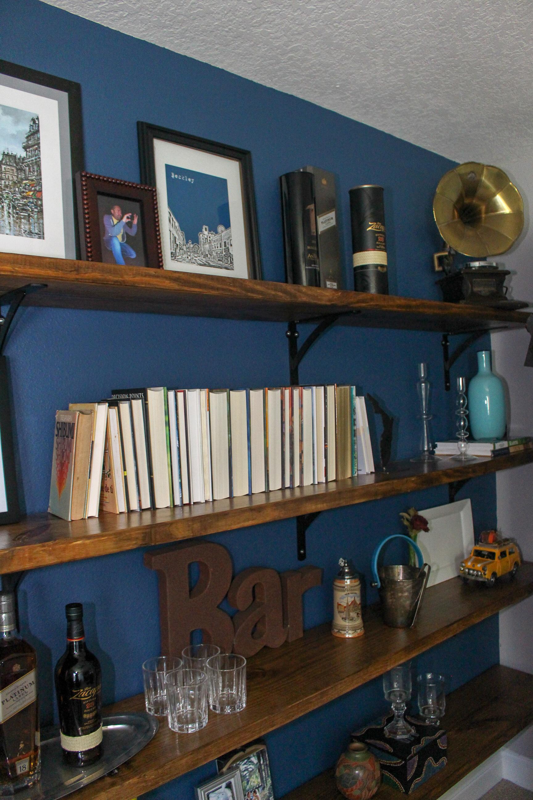 Styling Office shelves