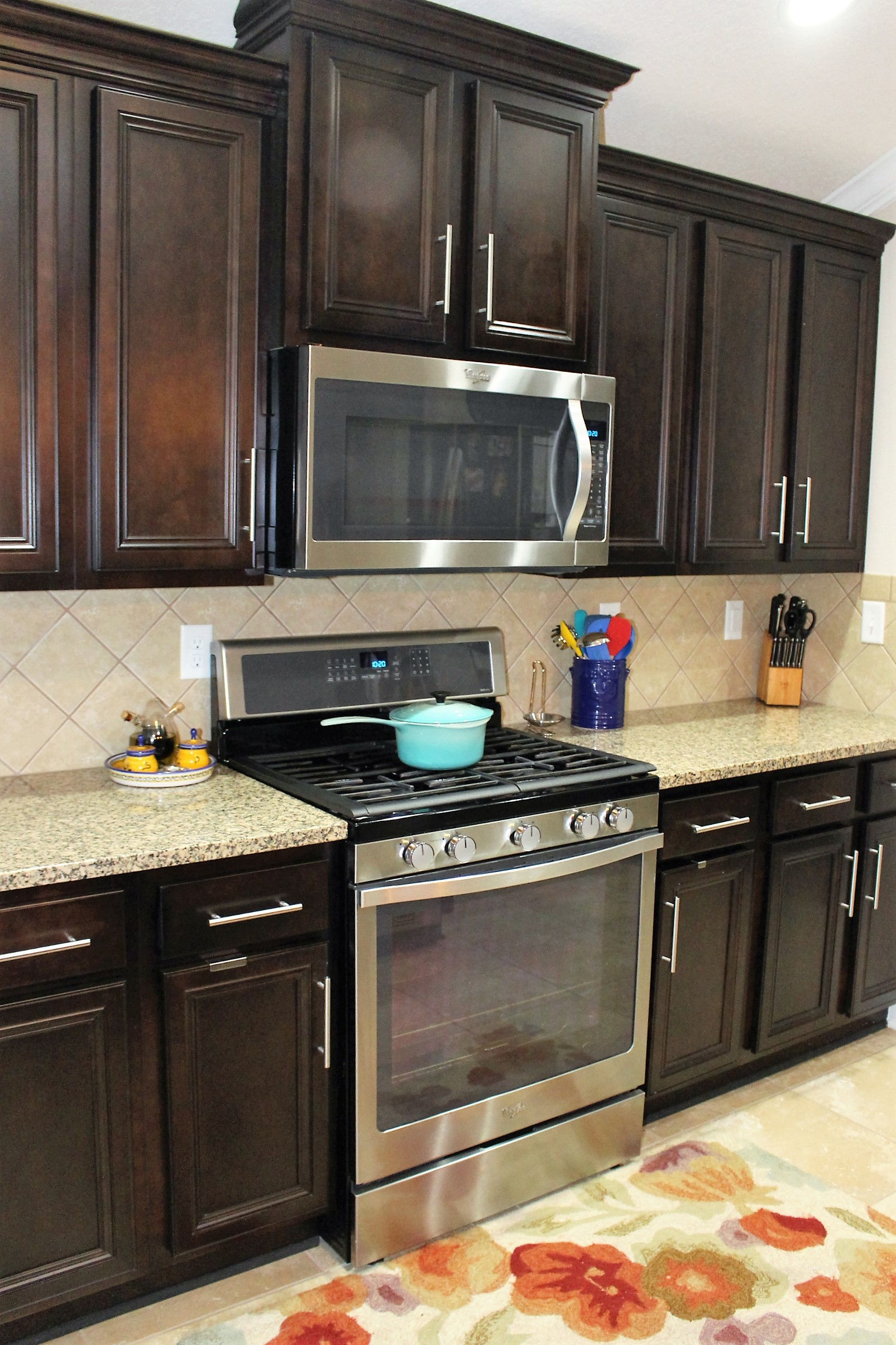 Spring cleaning kitchen cabinets - House by the Preserve