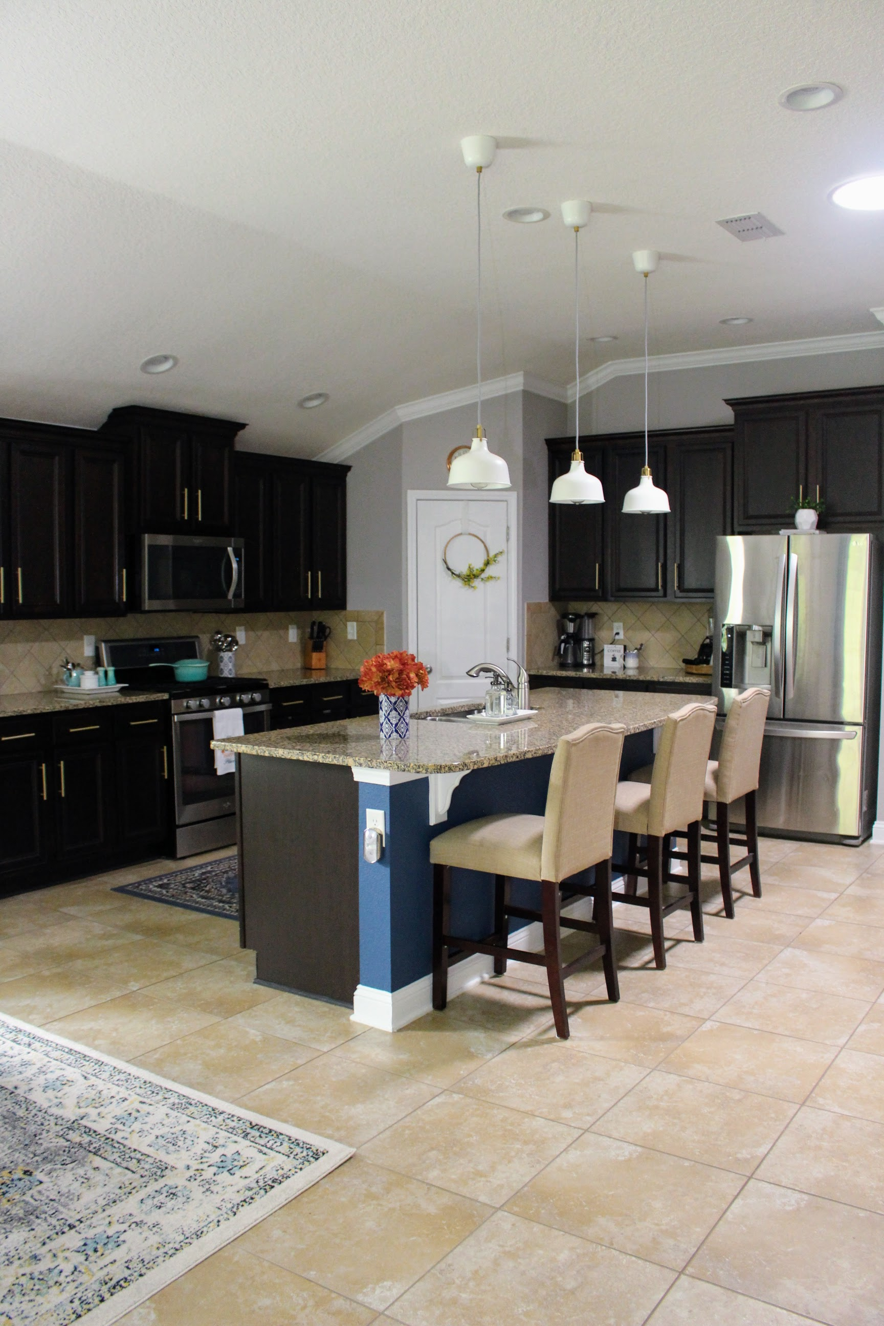 Creating a color theme can make your home look coheasive.
