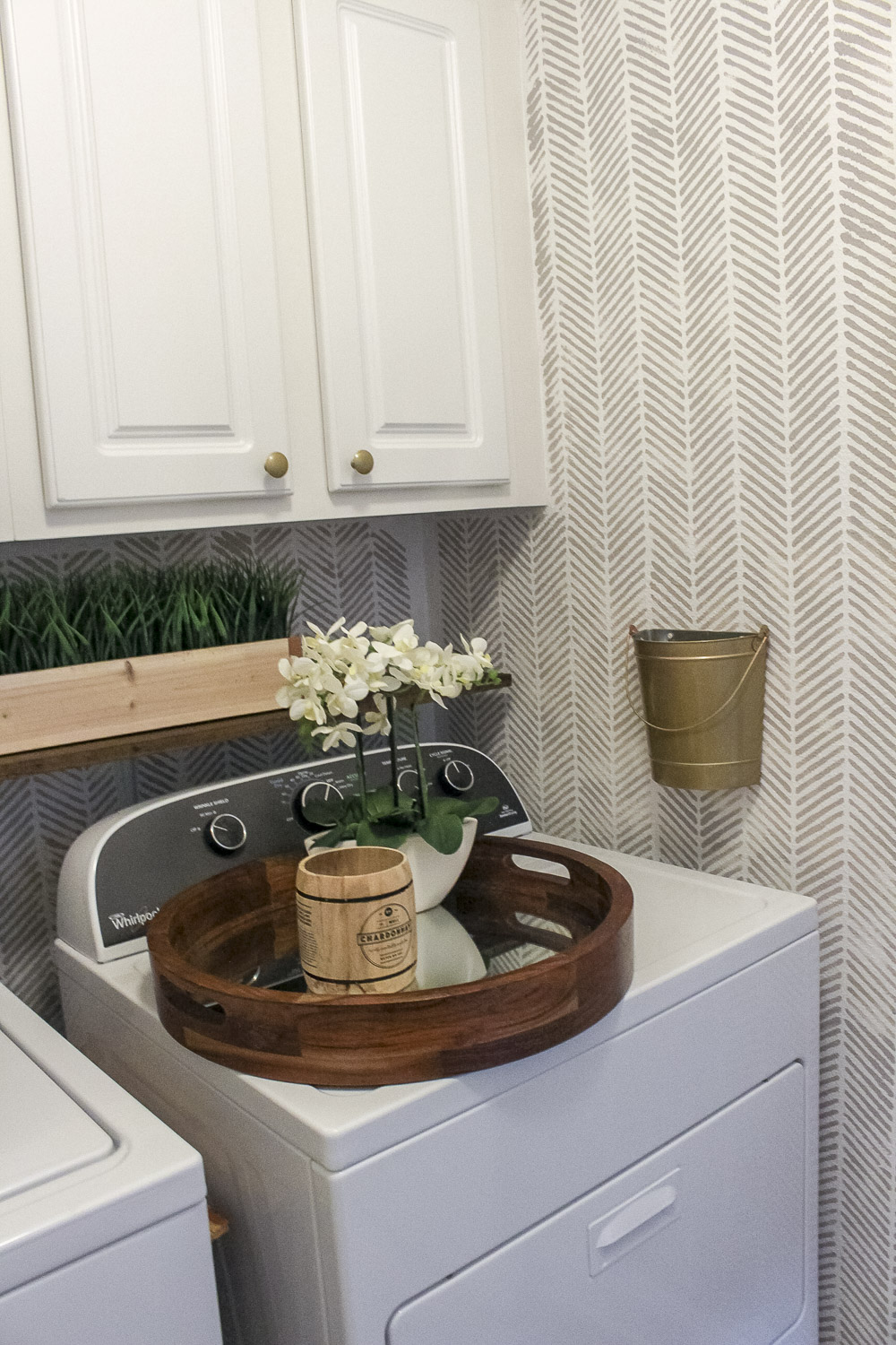 Small Laundry Room Makeover-6.jpg