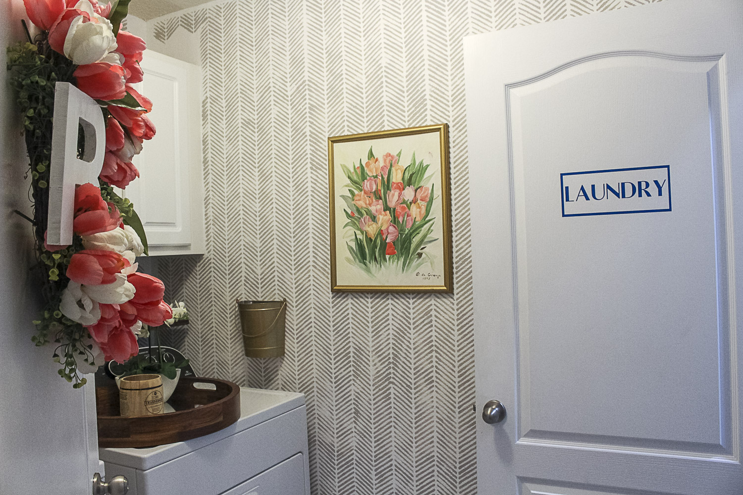 Small Laundry Room Makeover-9.jpg