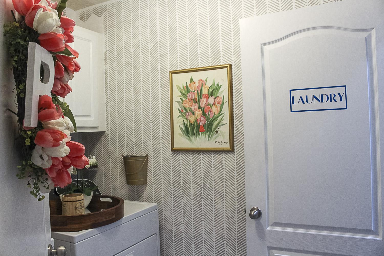 Small Laundry Room Makeover-9.jpg
