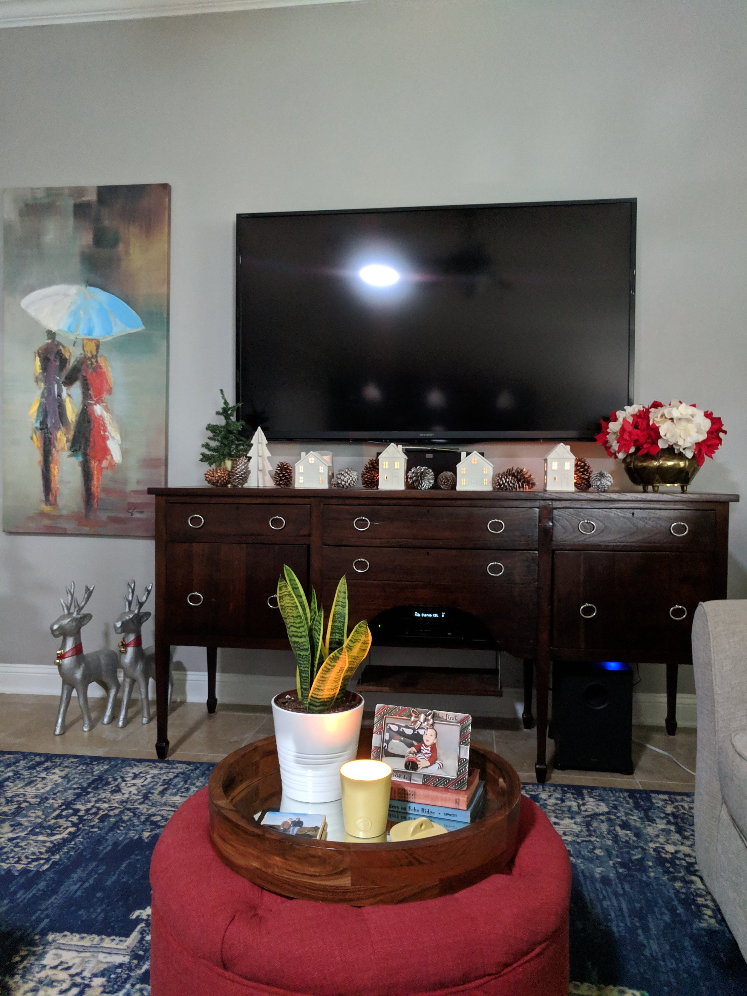 holiday decorations for the family room