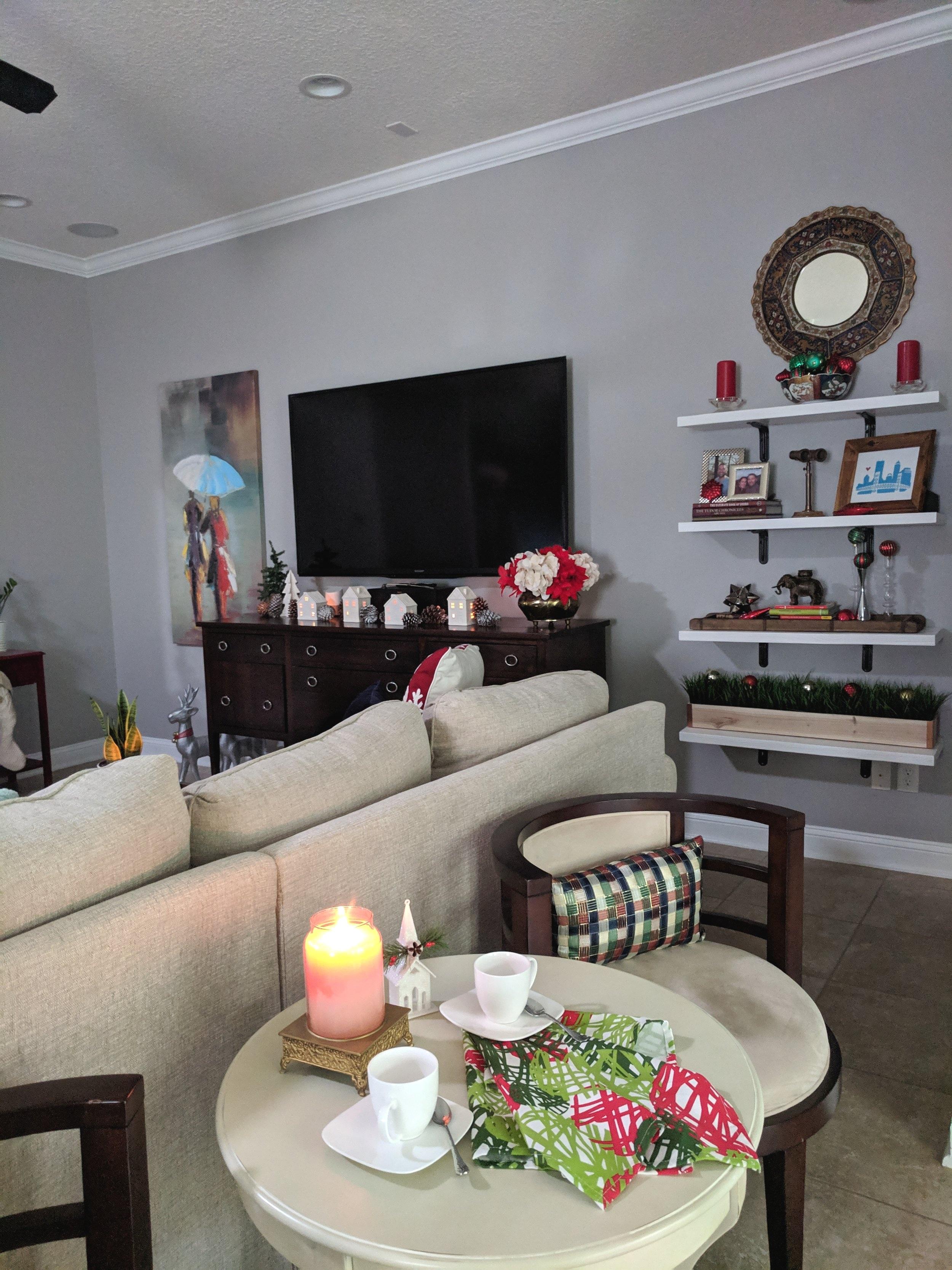 family+room+Christmas+decor