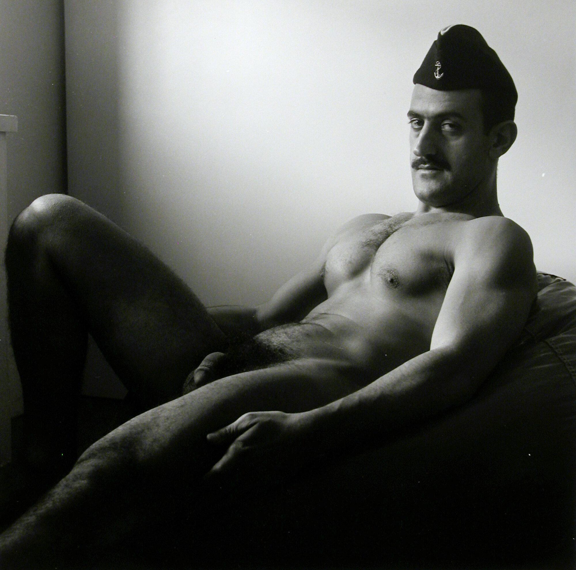 Giard_Seated Male Nude (0060)_circa 1990.JPG