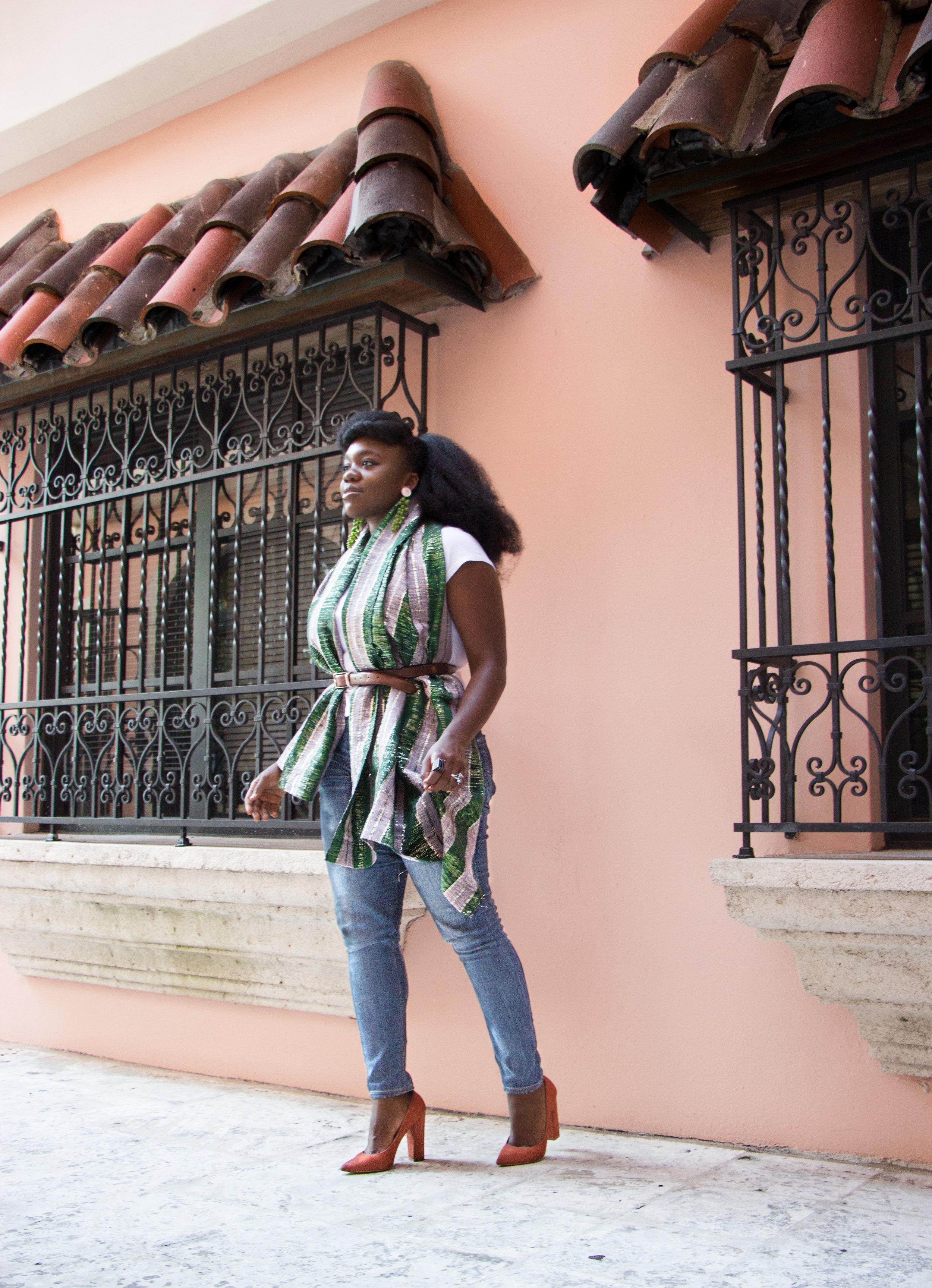 Nyorh Agwe_10 Ways to wear your Mamis Wrappa_Look 7a.jpg