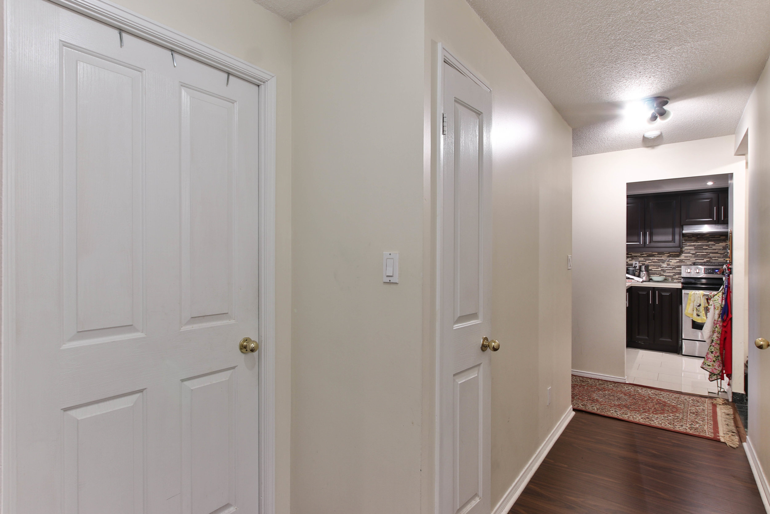 23_Hallway-3295.jpg
