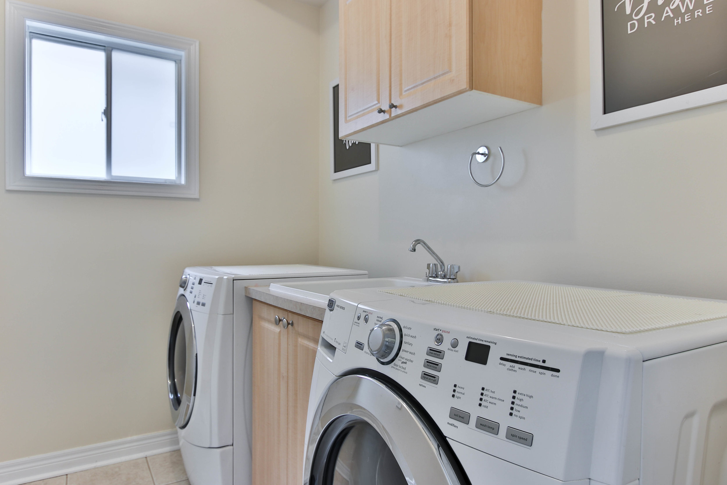 40_Laundry (1 of 1).jpg