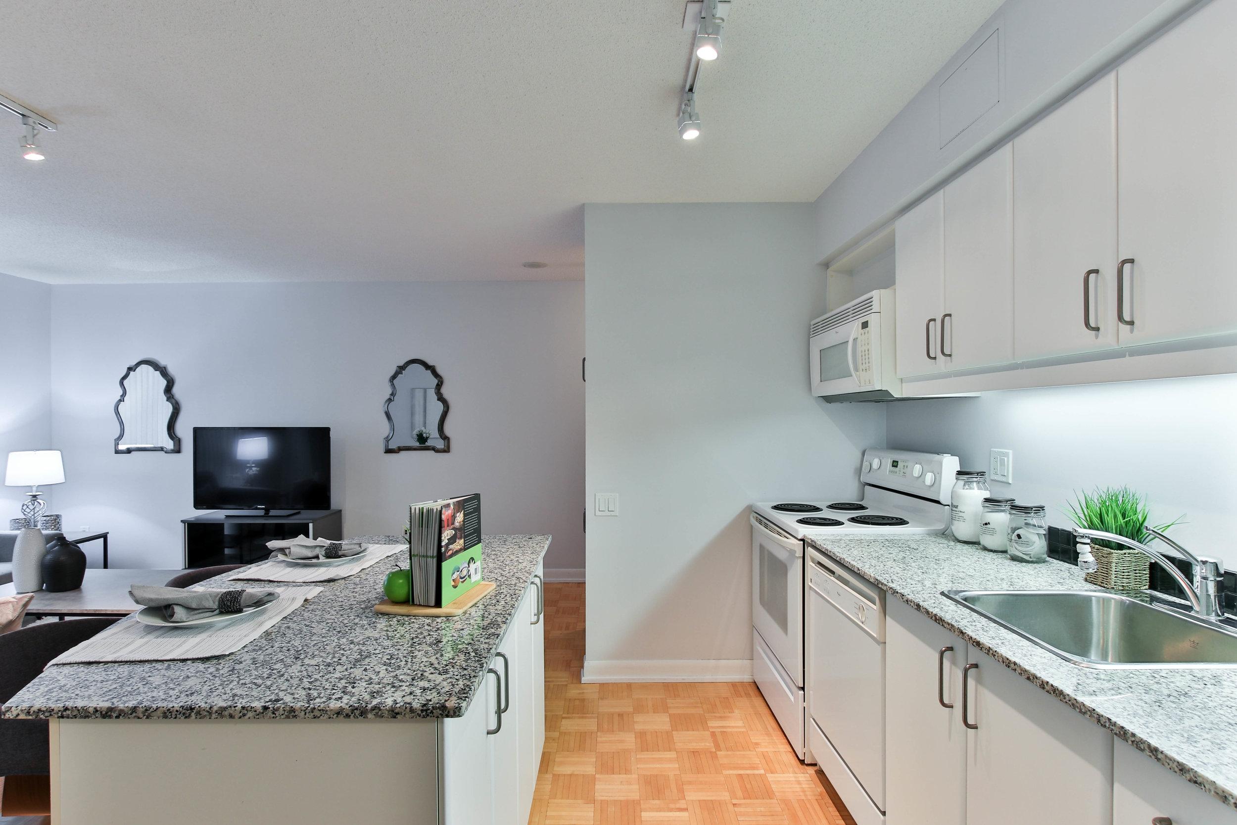10_Kitchen (1 of 1).jpg