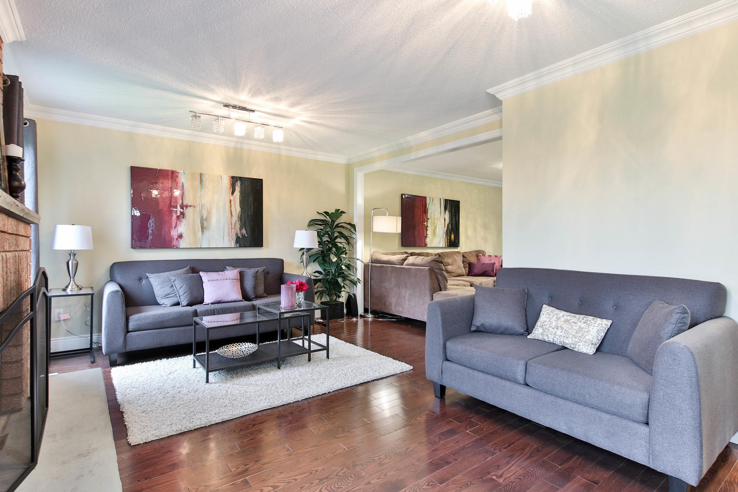 23_Livingroom.jpg