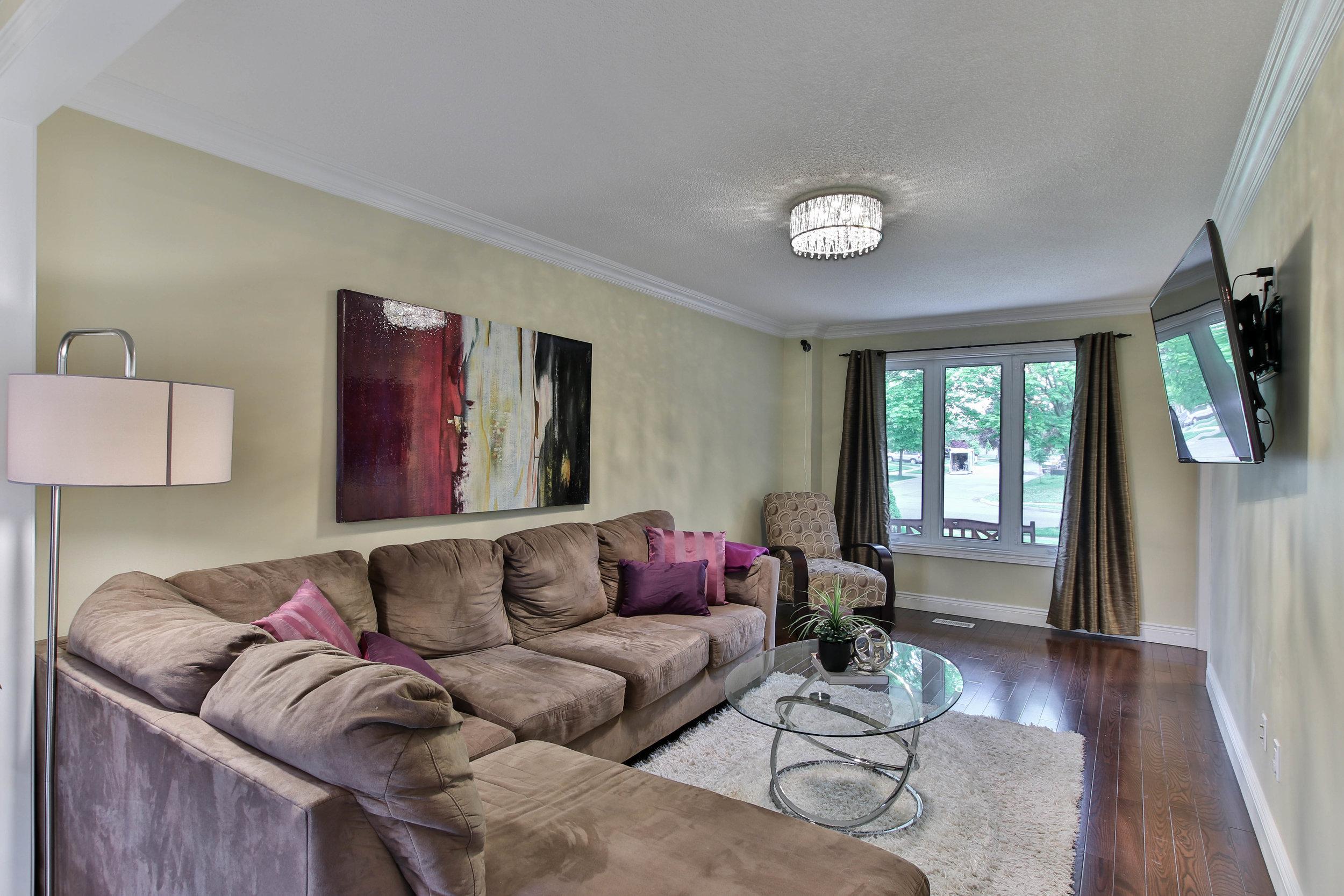 27_Livingroom.jpg