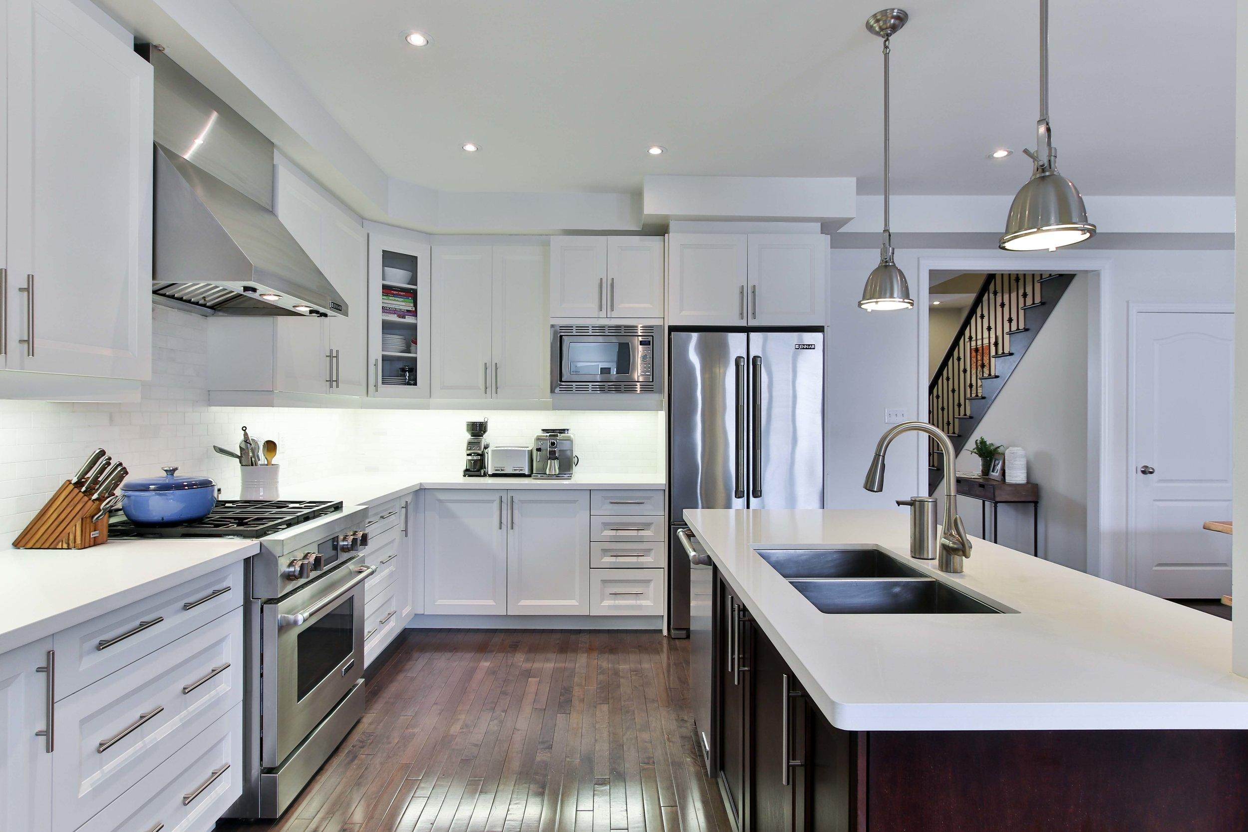 16_Kitchen.jpg