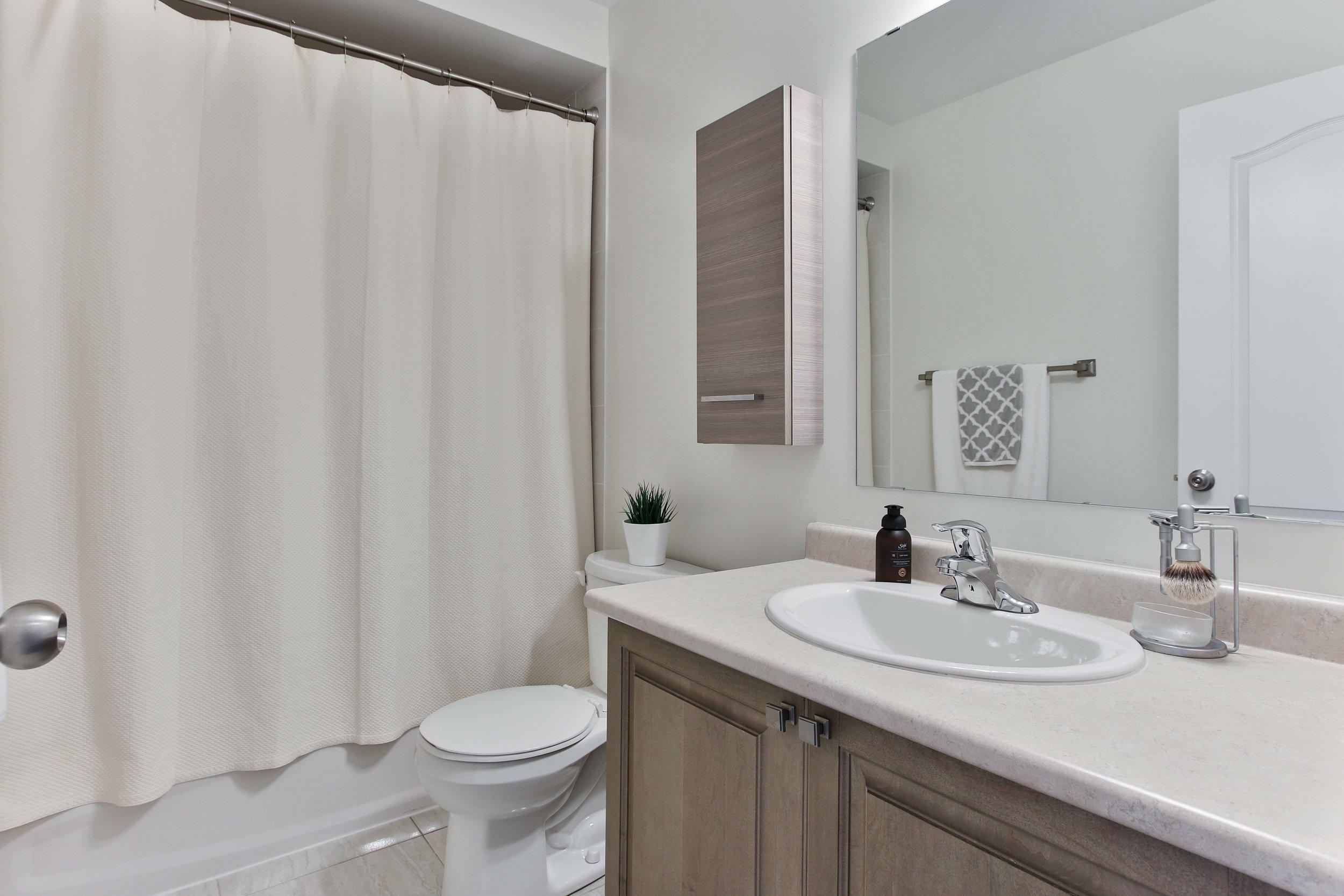 28_Washroom.jpg