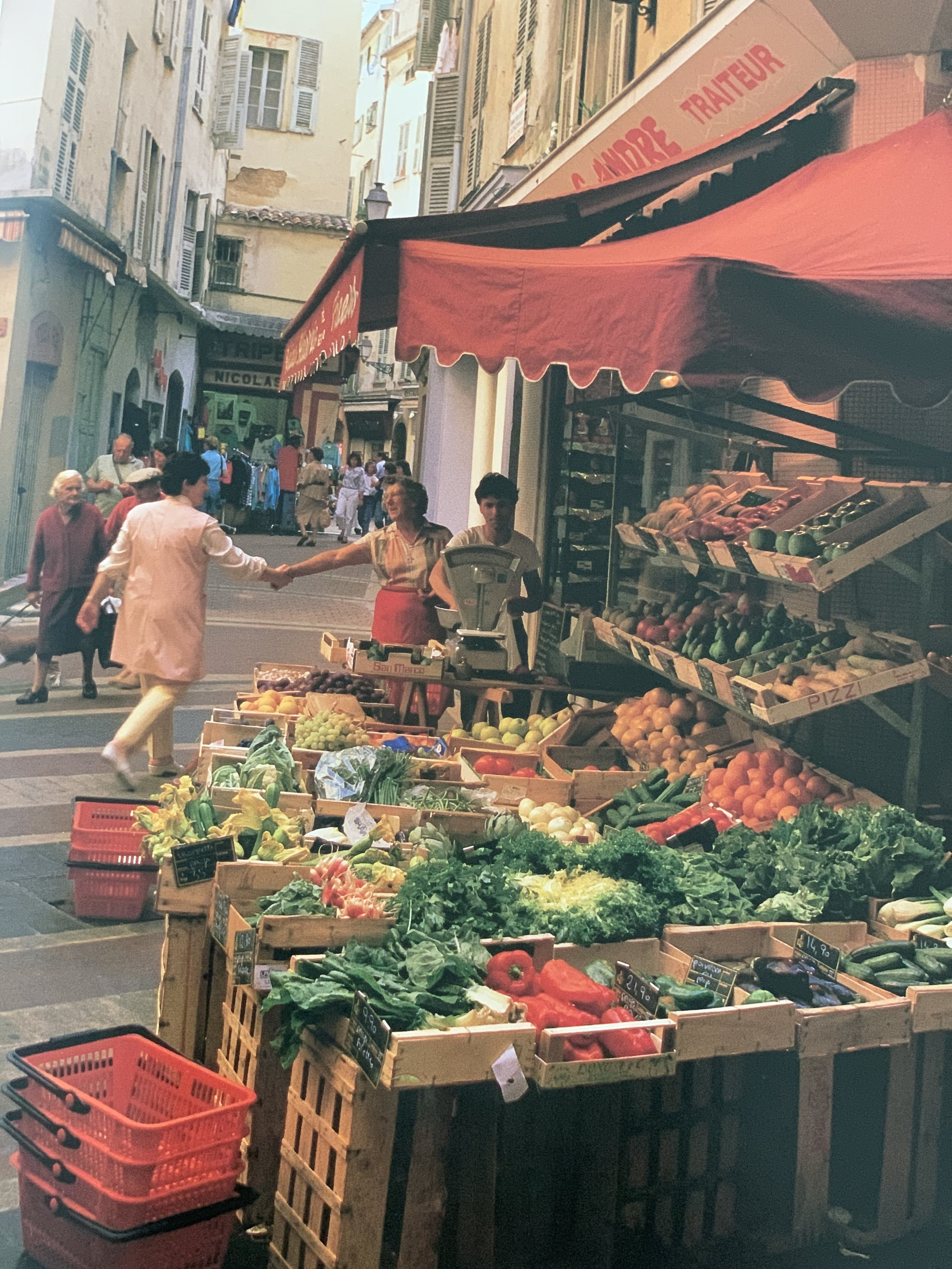 Images Paris market and food network.