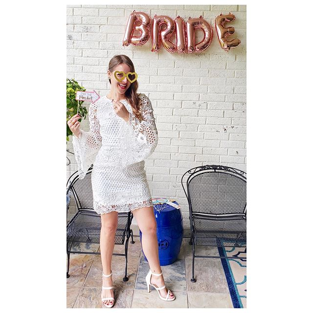 This past weekend was something special. @lisahanrahanfreeman spoiled me with the most beautiful bridal shower! I am a very verrry lucky lady to have so many amazing people in my life. I feel SO loved!!! #stokedondoak 💕👰🏼💕