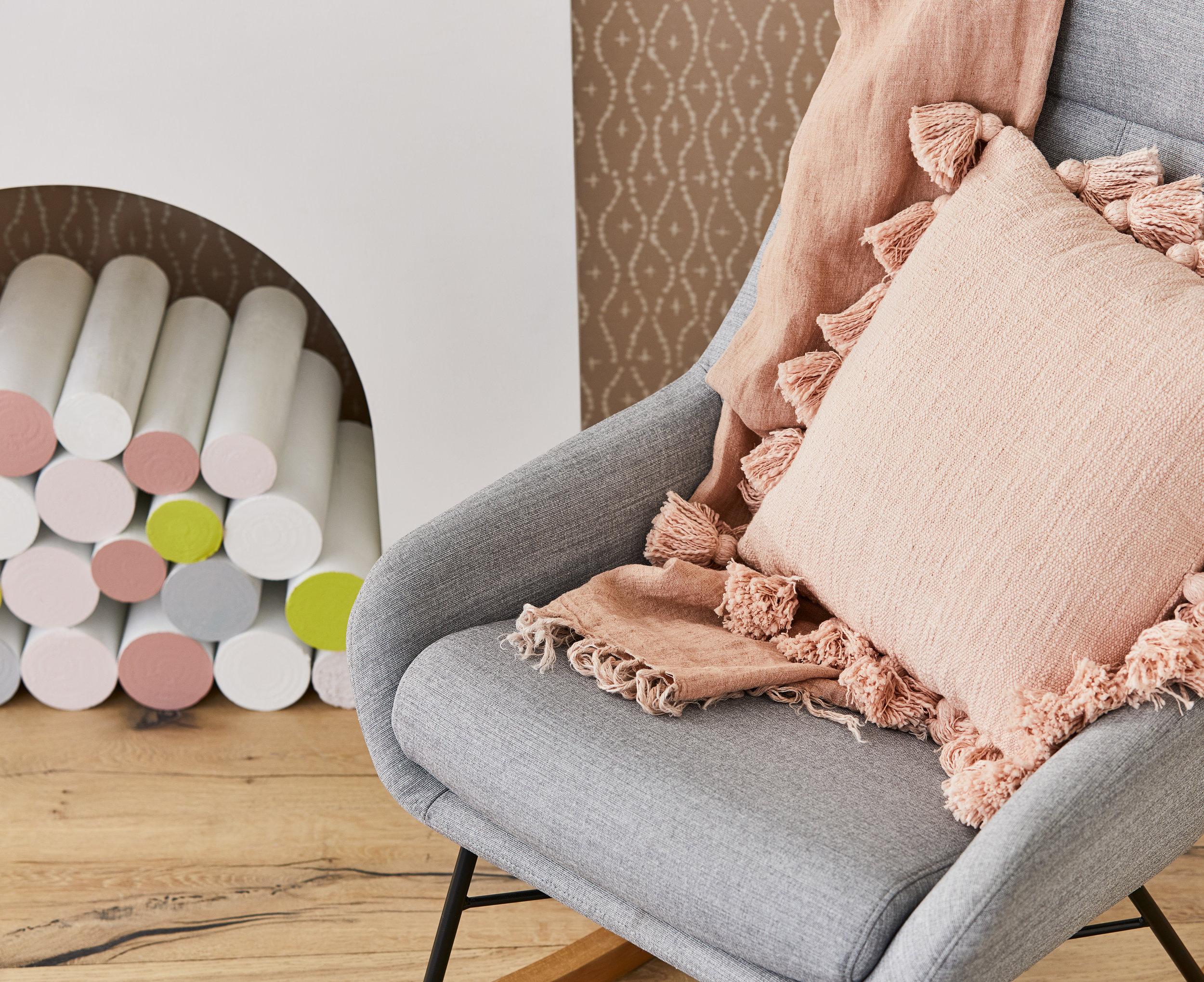 Little-Liberty_Pink-Yellow-Story_Nebraska-Chair_Detail-01_SS18.jpg