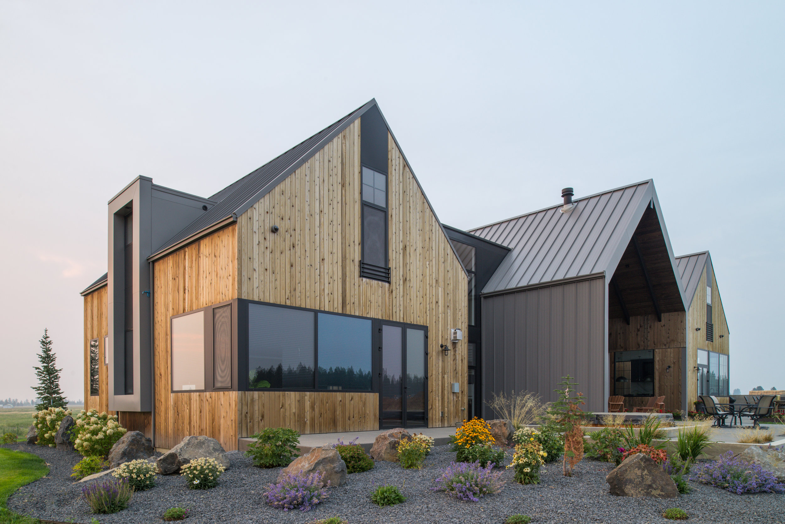 PALOUSE FARMHOUSE    SPOKANE, WASHINGTON    view project