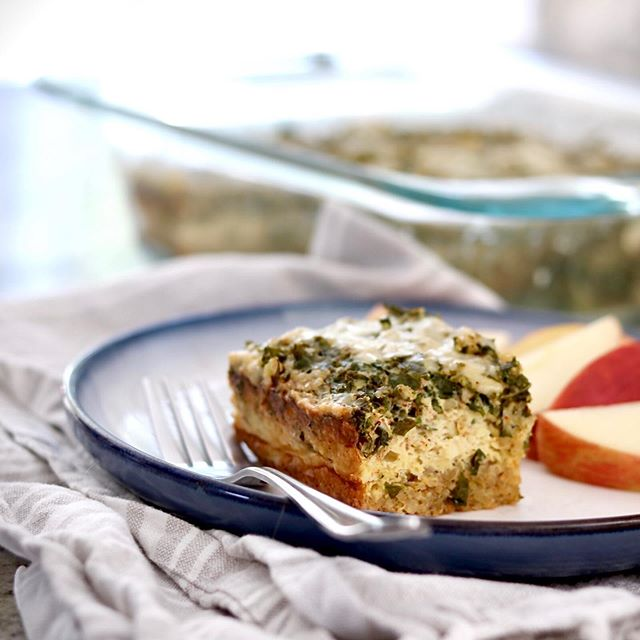 Current me is thanking past me for prepping this quinoa, kale and Gouda cheese egg bake this weekend. 🙌 Baby is teething + going through another sleep regression and I'm finding it hard to feel inspired to do much when she (finally😬) succumbs to naps...other than to nap myself, scarf down some food and/or stare off into space. 😴🤪 ☝🏼Reminder: Your body/mind needs *adequate* energy and nutrients (plus a variety of other things, of course, but food is part of the foundation) to live your best life. Do what you need to do to fuel your body. Do the opposite of what your disordered eating voice says. Find time to eat, no matter how busy or distracted with life that you may be. Your body deserves to be nourished, not deprived.