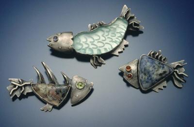 3 fish pins