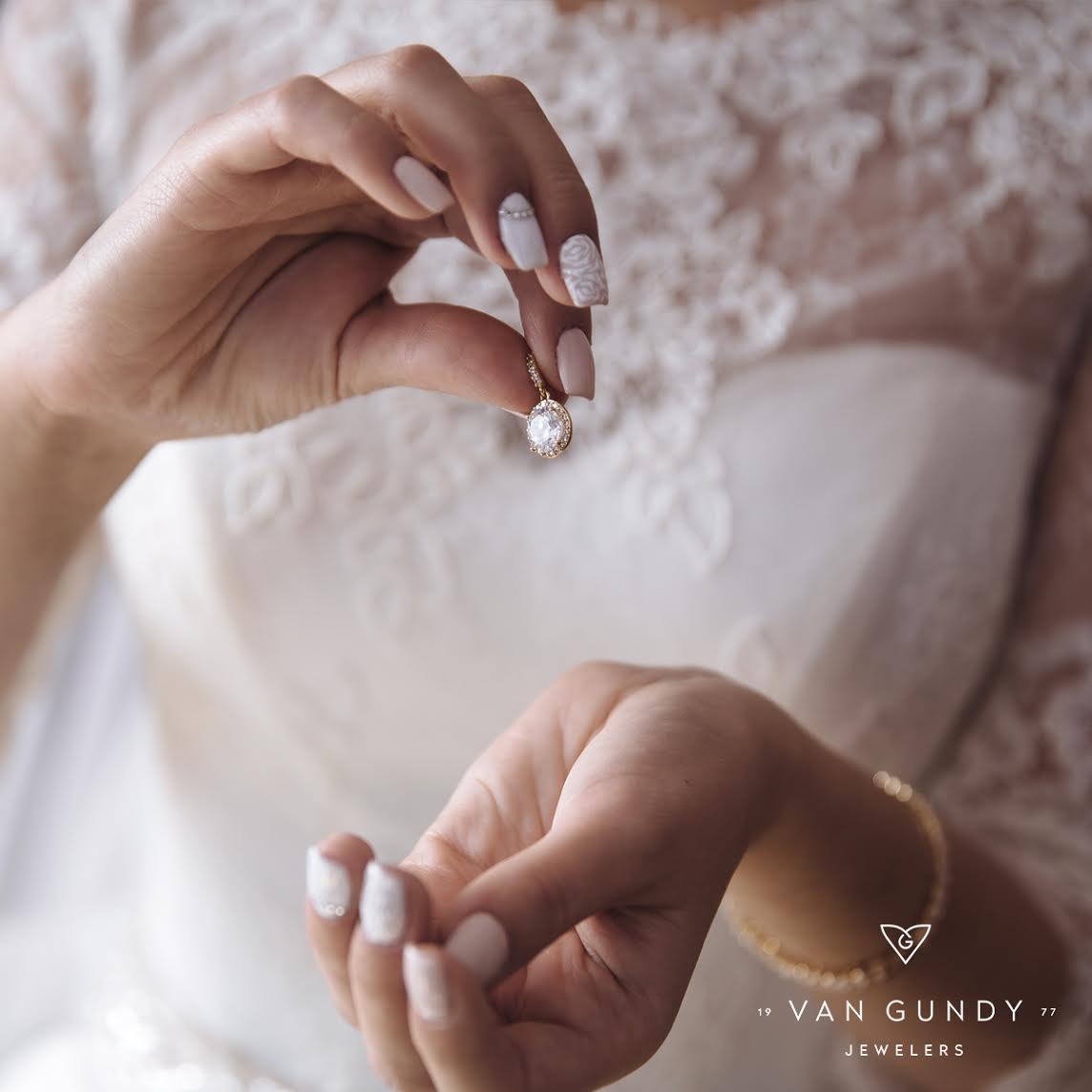 Wedding Day Jewelry Dos & Don'ts