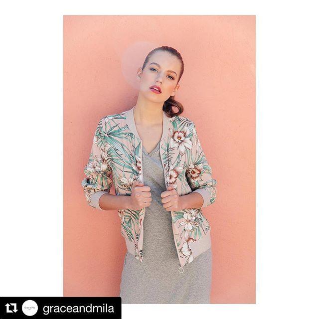 #Repost @graceandmila with @get_repost ・・・ SS18// Pour bien finir son look, on peut accessoiriser la robe POLOCHON avec le bomber PERINE 😉 #graceandmila #graceandmilaàsainttropez #casualstyle