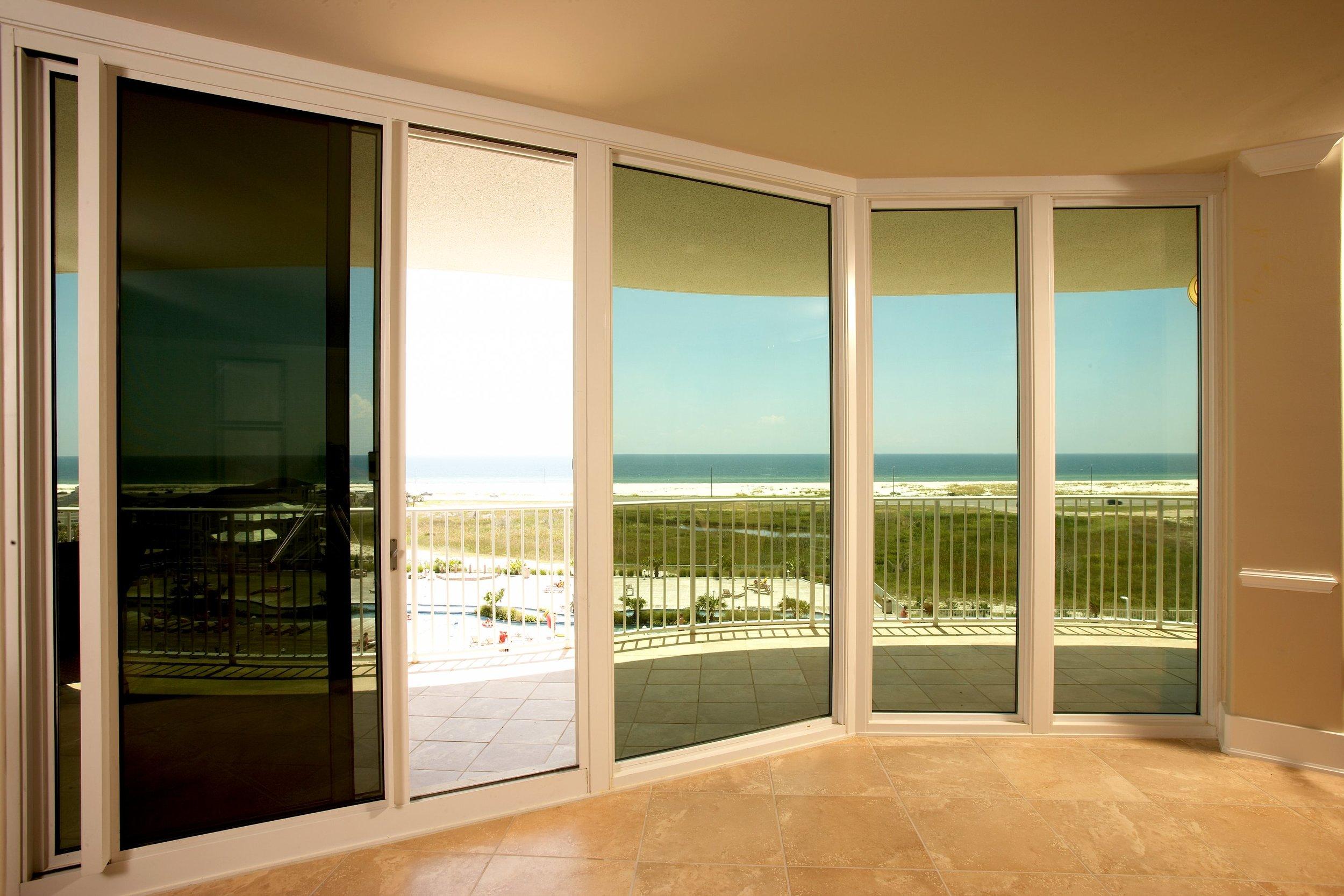 Prestige 40 Ext - caribe tint-door-open.tif.jpg