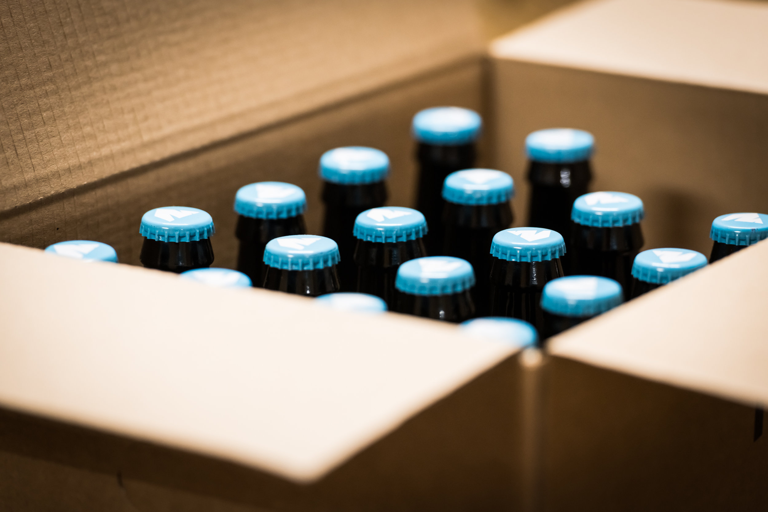 caisse_bière_blonde_Belgium_Peak_Beer
