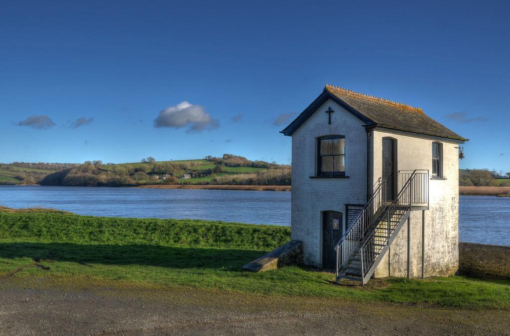 Cornwall river 3.jpg