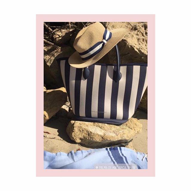 Blue striped ••• BEACHER BAG ••• a holiday snap by the super stylish @arabellagreenhill - - - - - #coolcarryon #travelista #vacationbags #eddieharrop #travel #travelchic
