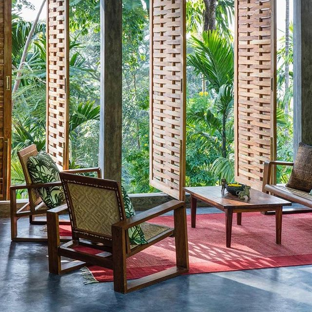 I remember meeting Mark Hill owner of the beautiful @jalakara many moons ago on Havelock island, we played a football match with some locals. He dreamed of back then setting up a gorgeous hotel on the island, and it just proves when you have a vision keep following your path and now the result is the stunning @jalakara nestled in the the treetops with sweeping views over the Adaman islands. #EddieHarropTravelista