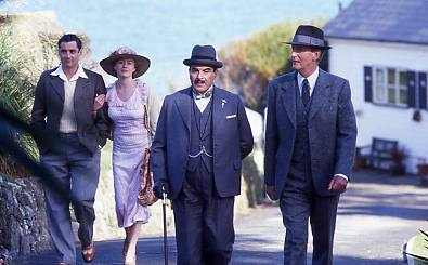 Poirot and Hastings walking up hill.jpg