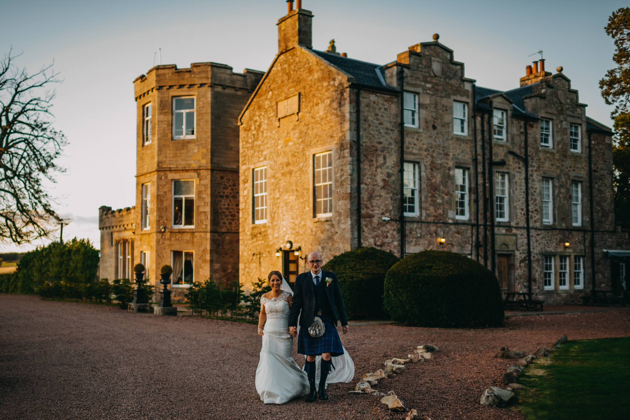 Lisa & Stephen Shield Castle 718.jpg