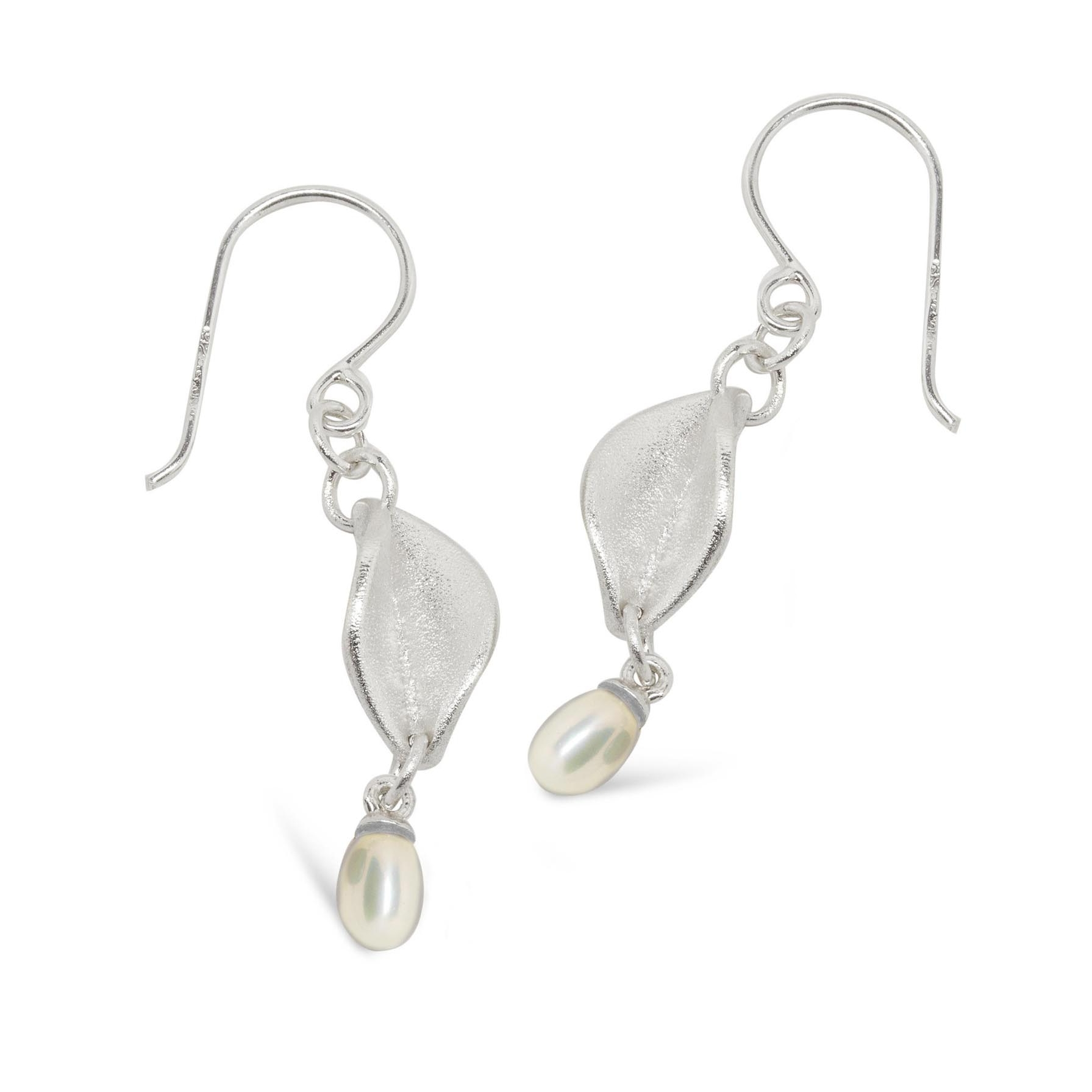 LSD2P_Mavilo_Small_Leaf_Drop_Earrings_with_Drop_Pearl_Silver.jpg