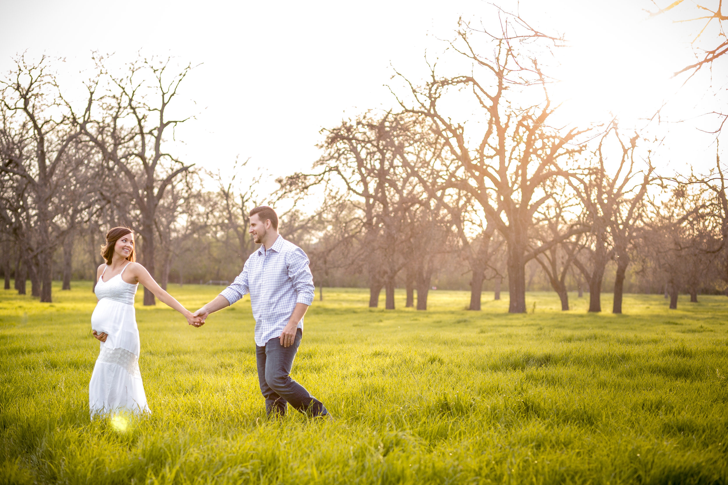 Maternity - Capture the beauty of pregnancy at a stunning location in Dallas/Fort Worth