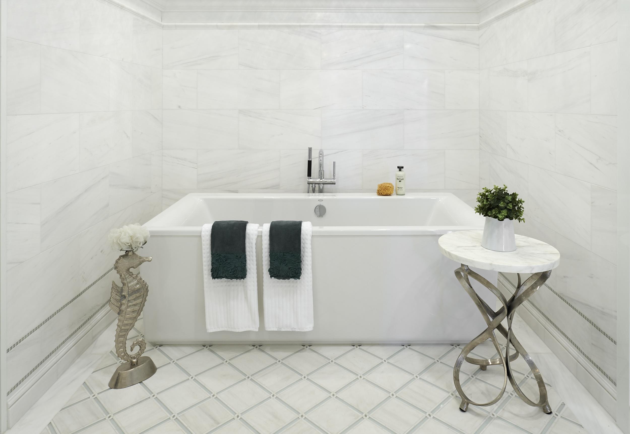 Showroom_01 tub.jpg